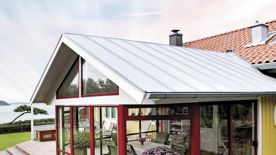 Solumuovieristeinen katto